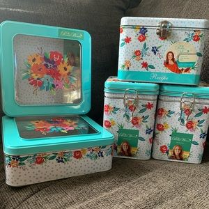 New Pioneer Woman Tin Collection